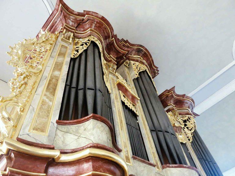 Aufwändiger Kirchenorgelprospekt nach der Restaurierung in Kirchenorgel in Alsheim