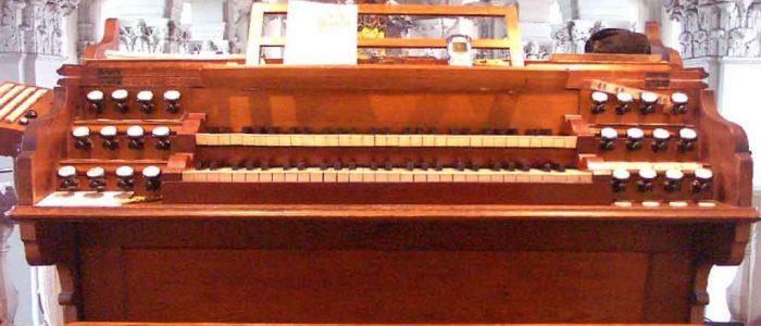 12-192-Vleugels-Orgelrestaurierung-Amorbach-Spieltisch-PDRM0038-1024px