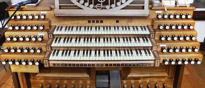 290-Vleugels-Orgel-München_Bürgersaalkirche-Spieltisch-IMG_2568-1920px