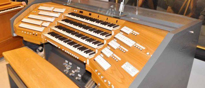 Bayreuth-Chororgel-427-Restaurierung-Vleugels-Spieltisch-seitlich-1024px