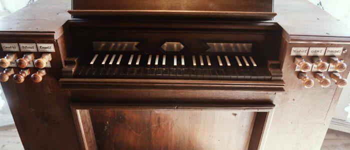 Gaibach-Pfarrkirche-317-Restaurierung-Vleugels-Kirchenorgel-Spieltischklaviatur-1920px