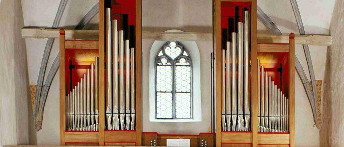 Garmisch-335-Neu-Vleugels-Alte-Kirche-StMartin-Gesamtansicht-2585px