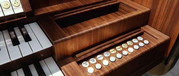 Rest-439-Vleugels-Orgelrestaurierung-Adelsdorf-St.Stephanus-Spieltischdetail