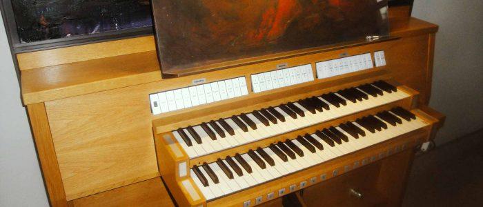 Würzburg-Juliusspital-379-Neu-Vleugels-Orgelneubau-Spieltisch-1920px