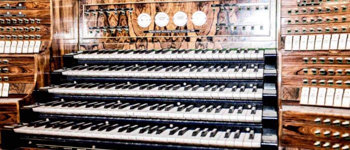 pano-Vleugels_Werkstatt-Orgel-Tastatur_Foto_Claus-Geiss_WO-SONST@2x